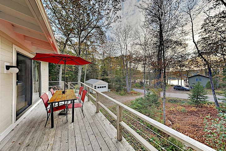 New Listing! Sparkling Charmer Steps to Waterfront