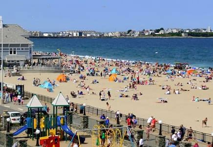 2free parking 2minutes walk to Hampton beach/WiFi