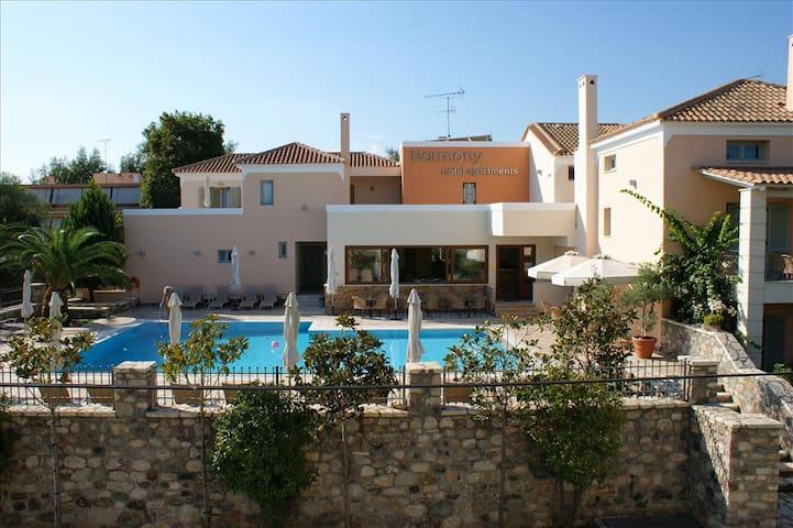 Maisonette DANAE (78 m²) 2-8 Pers. - Longos - Huoneisto