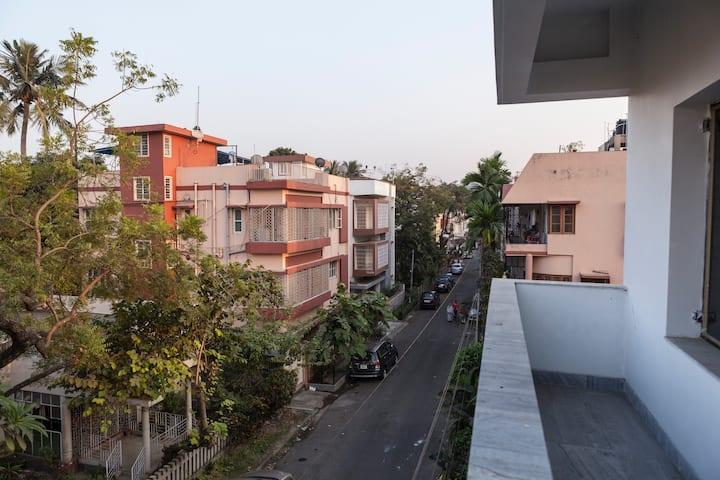 Private cozy rooms in Salt Lake, Kolkata