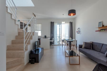 Brand New Duplex Penthouse w/ views - Gzira
