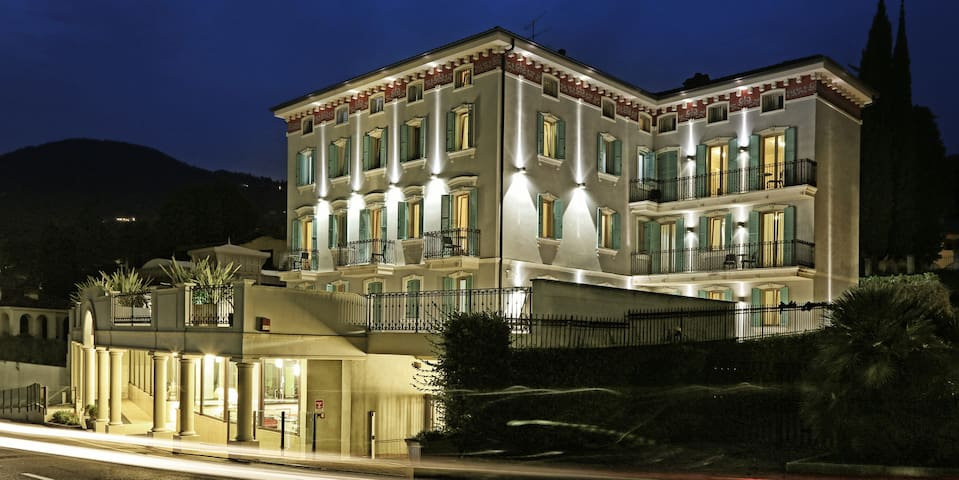 Atelier Hotel Classic - Gardone Riviera - Bed & Breakfast
