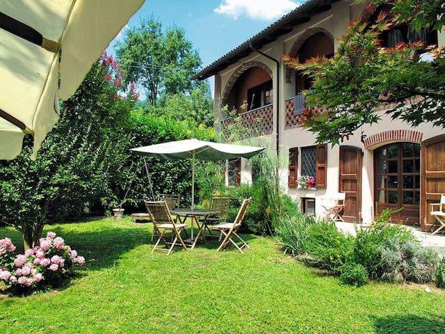 Porzione casa di campagna - Magliano Alfieri - House
