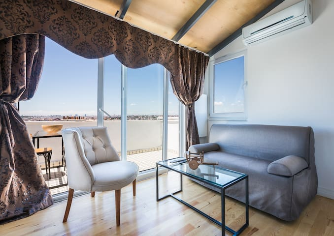 PENTHOUSE 2 BEDROOM SEA VIEW APART - Istanbul - Appartamento