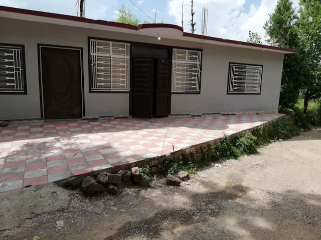 Omer Cottage
