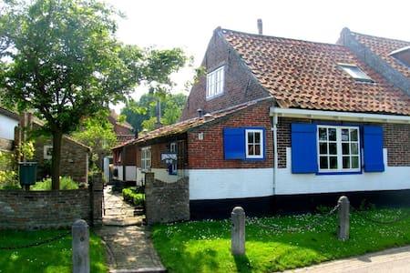 Charming house in Westenschouwen - Burgh-Haamstede - Rumah