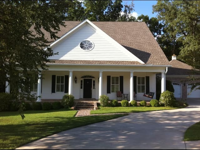 Southern Charm (Master's week )
