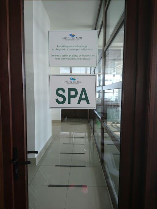 acceso a los jacuzzi del spa