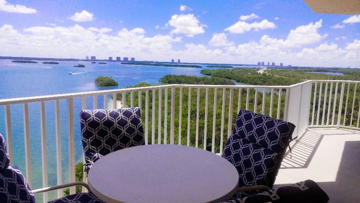 Stunning water view one bedroom condo with king bed near Lovers Key
