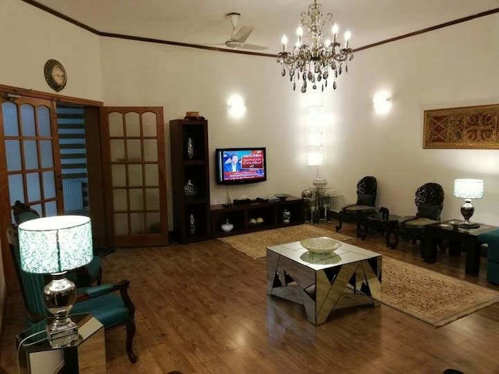 Carnations Suites Centrally located Lux Suites 5