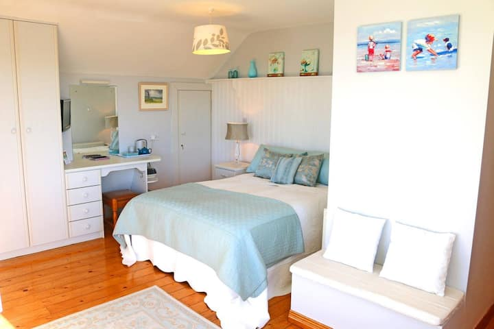 A room with a seaview