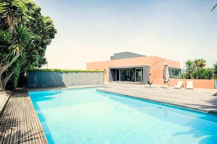Amazing Villa, CHARM & COMFORT in GUINCHO - Cascais - Huis