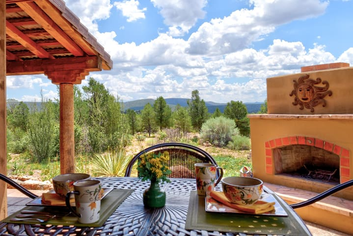 """""""Spirit of the West"""" Ranch Home Near Grand Canyon"""