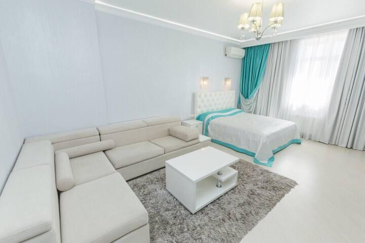 Видовая 1 комнатная люкс, метро Левобережная