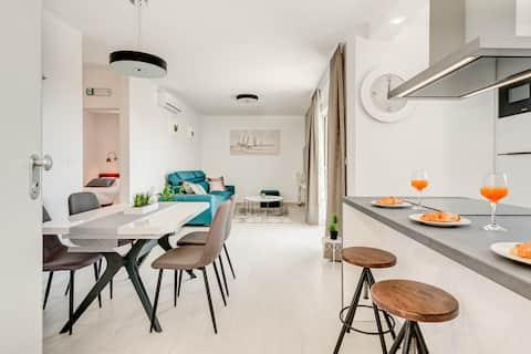 Modern 4* luxury apartment in town center