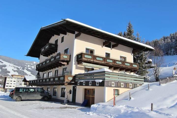 Fewo Zimmer Skiurlaub Saalbach