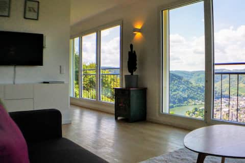 Wake up with a magnificent view of the Mosel