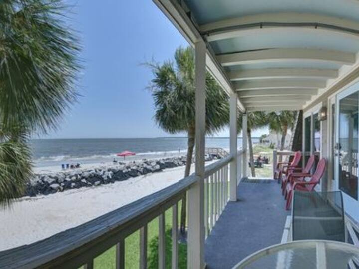 Oceanfront retreat, step onto the beach and a short distance to the Pier Village