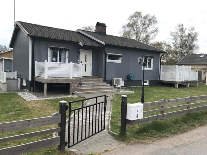 Fint boende på Öland, centralt i Färjestaden