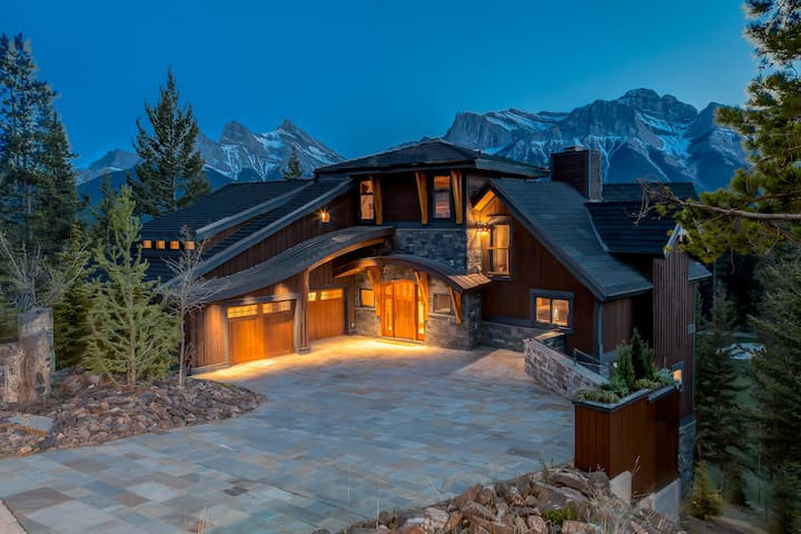 Banff/Canmore Ultra Luxury Mountain Villa