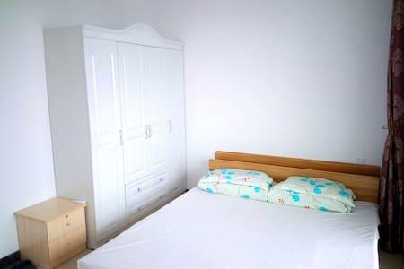 近银滩 黄金海岸高层可观海两室一厅家庭房 - Beihai - 公寓