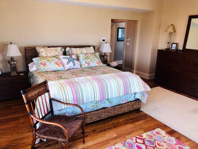 second floor master bedroom with master bath