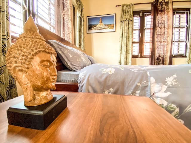 Cozy 2 Bedroom Condo- mins away from Boudha Stupa!