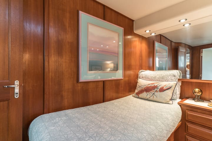 Guest Stateroom Bed 1