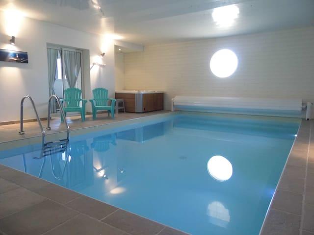 VILLA DU STIFF avec sa piscine chauffée