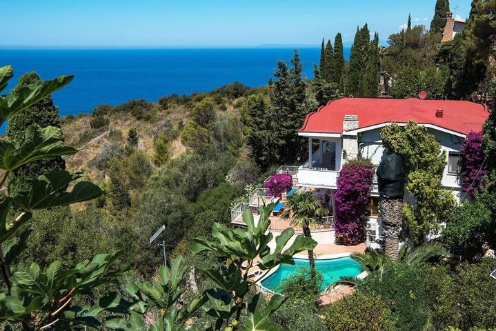 Villa Cacciarella avec vue imprenable sur la mer
