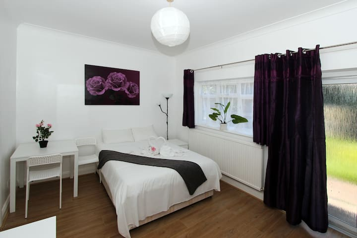 Studio *15 MIN to Central LONDON by metro* #ME13 - London - Apartemen