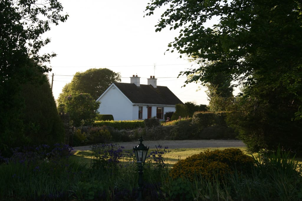 O Brien's Cottage just 3 minutes drive from Kinnitty Castle Hotel