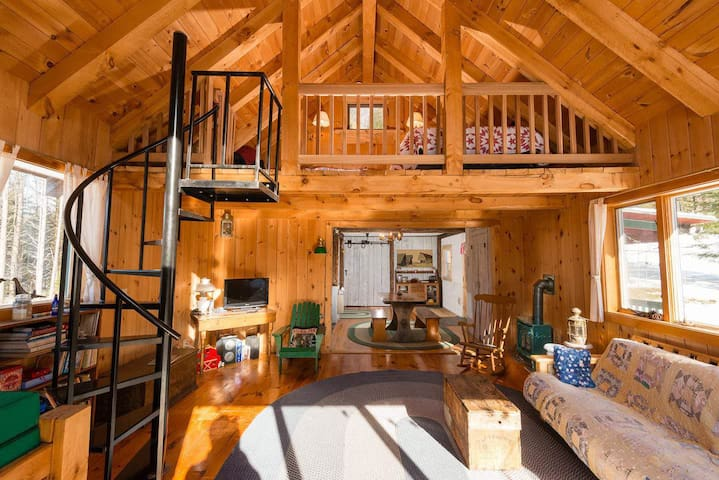 Cozy Cabin Minutes From Sugarbush! - Northfield - Blockhütte
