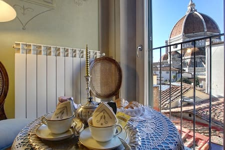 Romantic apartment with Duomo view