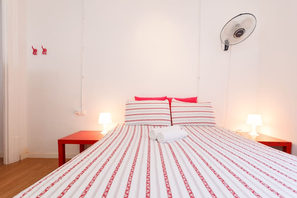 4 person room case in affitto a barcellona barcelona for Monolocale affitto barcellona spagna
