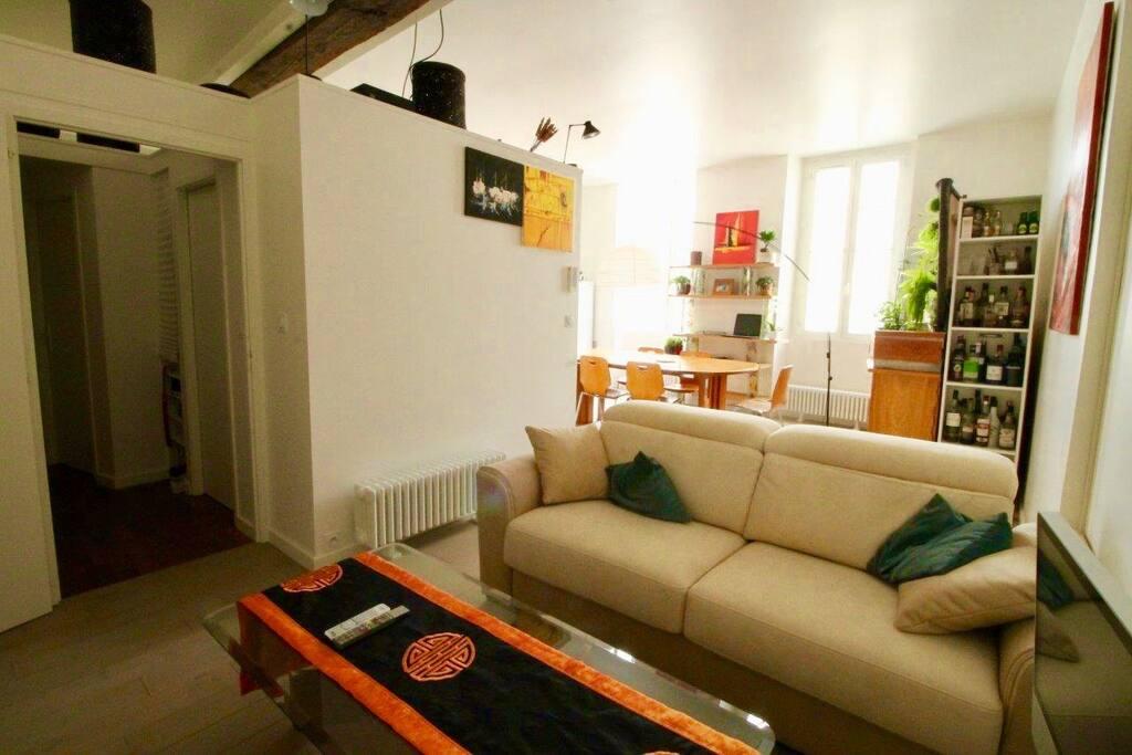 Le coin salon/2ème chambre.