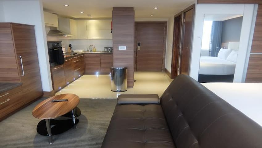 MODERN 2 BED APARTMENT IN WATFORD - Watford - Apartment