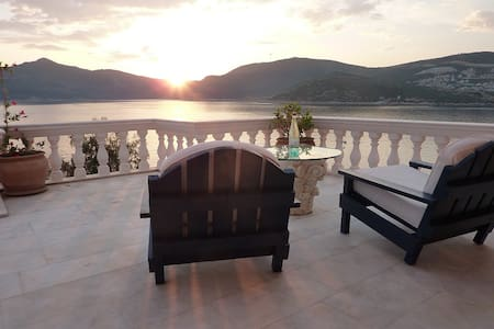 Luxury villa in Kalkan - Kalkan Belediyesi - ที่พักพร้อมอาหารเช้า
