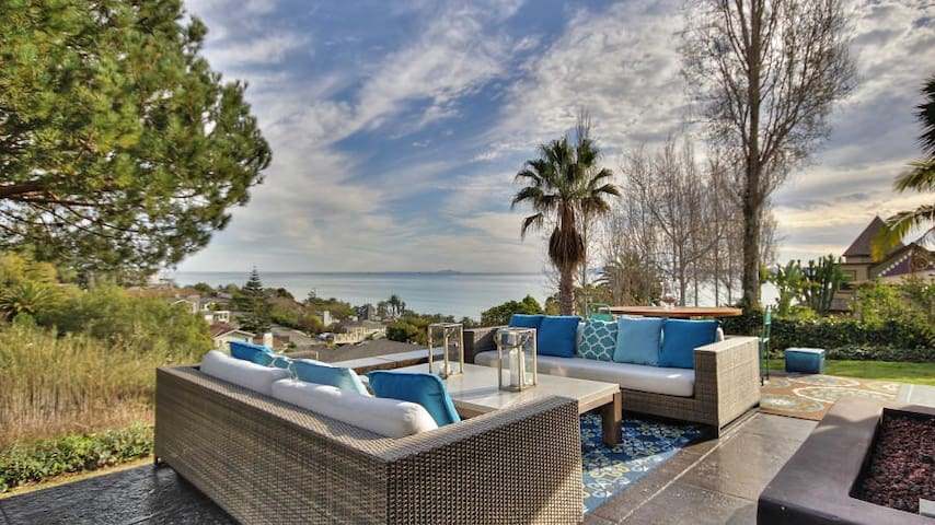 Sweeping, Spectacular Ocean View! Minutes to Beach