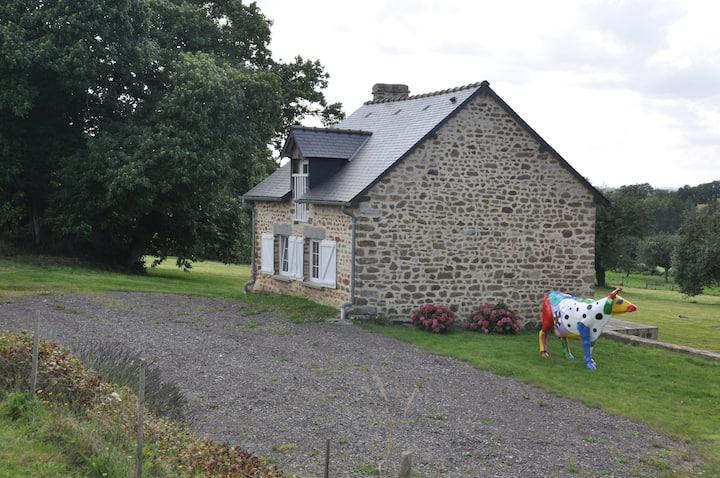 Charmante petite maison en pierre