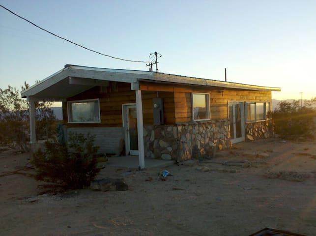 Desert prairie house - Twentynine Palms - House