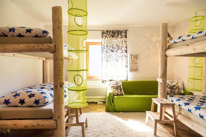 FREIKOPF 4 Bedroom Zillertal - Gerlosberg - Bed & Breakfast