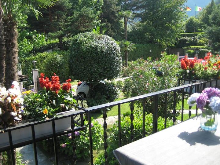 2-Zimmer-Appartement mit mediterranischem Garten
