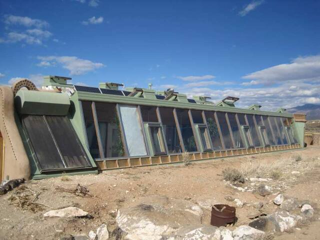 The Corner Cottage Earthship, Taos! - El Prado - Ev