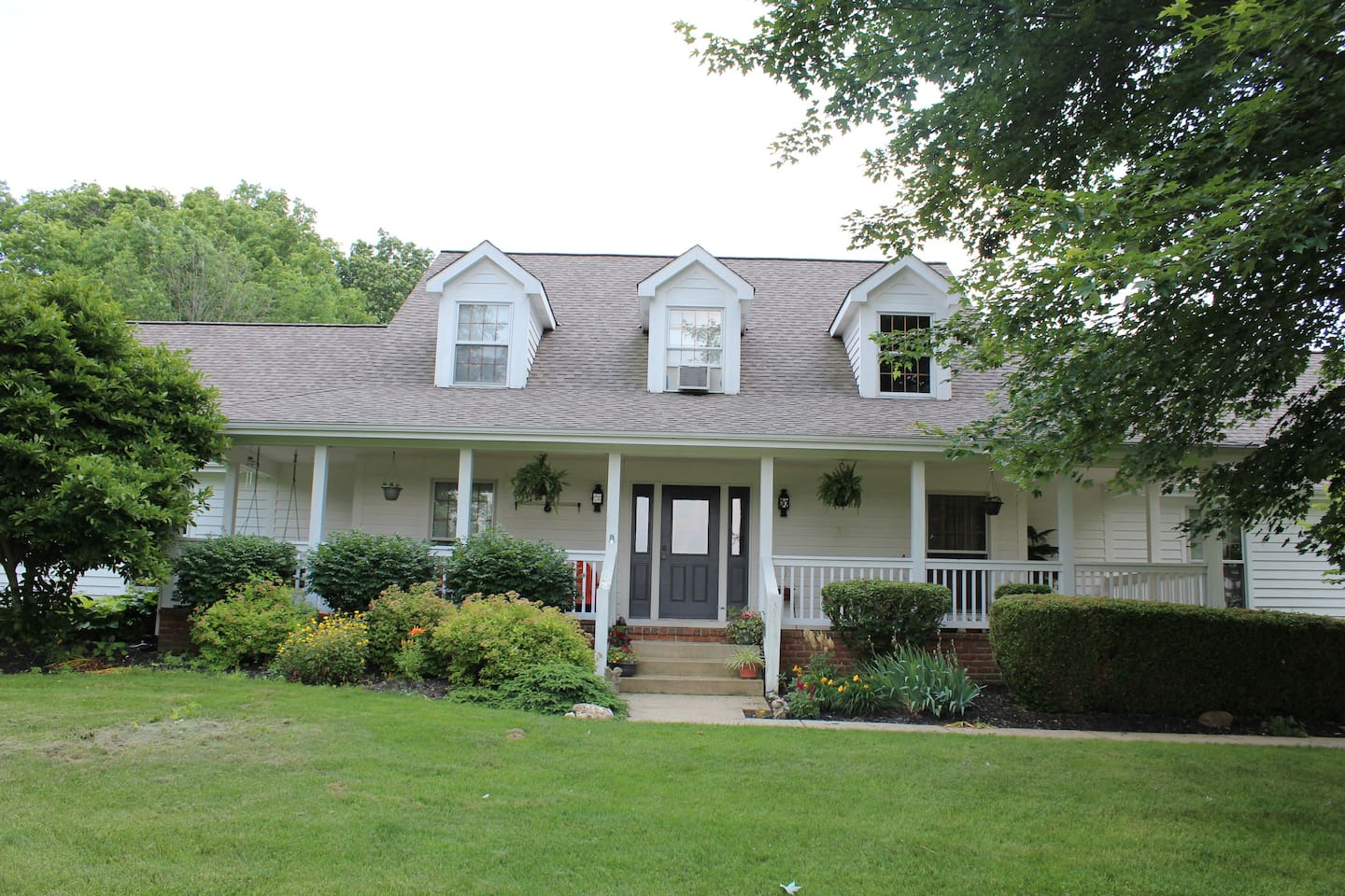 Enjoy nature in our lovely country retreat close to Columbus