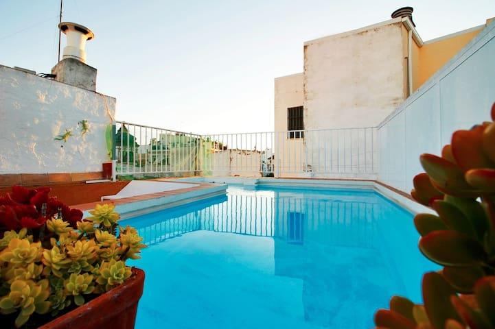 maison typique andalouse salle de bain priv e maisons louer s ville andalousie espagne. Black Bedroom Furniture Sets. Home Design Ideas