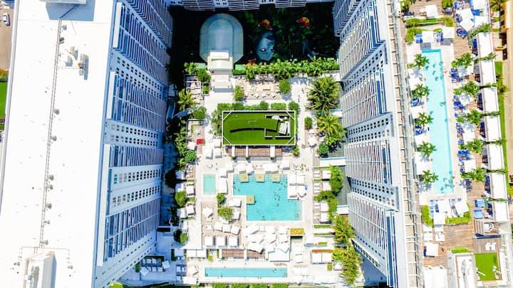 Luxury Beachfront 5 Star Hotel- 2 Bedroom 2 Baths