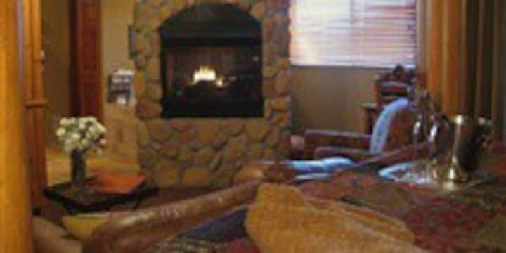 Sundance Room @ Adobe Village Inn