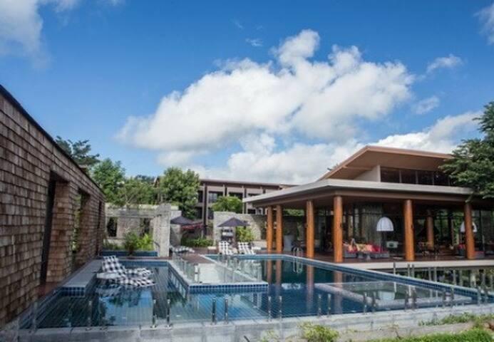 Impeccable 3 BR Pool Villa Grand Mt. View in Pai!