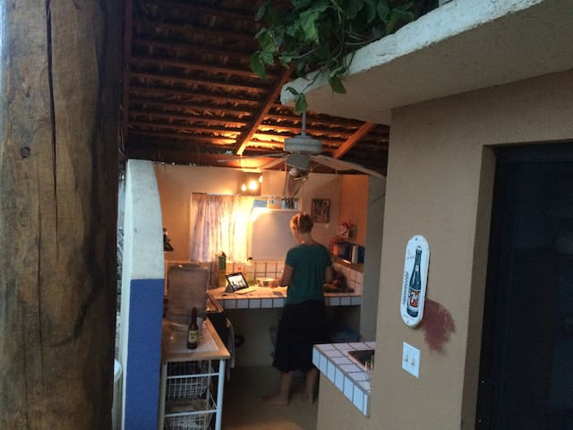 RUSTIC GETAWAY IN RURAL SETTING - San José del Cabo - House
